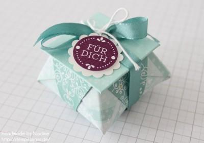 origami box mit deckel als gastgeschenk basteln mit. Black Bedroom Furniture Sets. Home Design Ideas