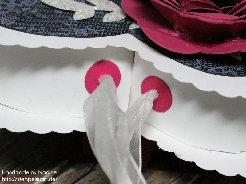 Stampin Up Box Goodie Valentinstag Inspiration Art Blog Hop Liebe Love Hochzeit Drehstempel Bigz Spiralblume Framelits Herz Kollektion Stempel I Love Lace Gastgeschenke Verpackung Schachtel  030
