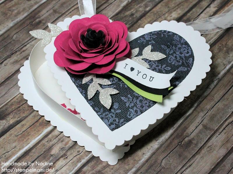 Stampin Up Box Goodie Valentinstag Inspiration Art Blog Hop Liebe Love Hochzeit Drehstempel Bigz Spiralblume Framelits Herz Kollektion Stempel I Love Lace Gastgeschenke Verpackung Schachtel  049