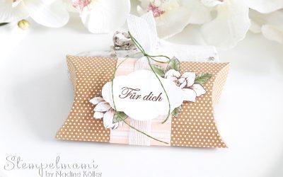Pillow Box oder Kissenschachtel Magnoliengruss