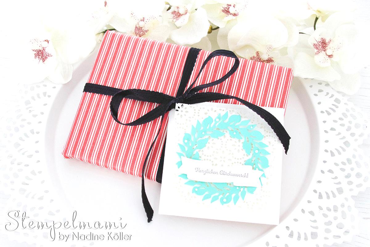stampin up glueckwunschkarte als geschenkanhaenger karte gruener kranz weihnachtskardinal stempelmami